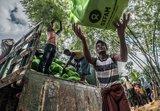 2.OGB_109714_Unloading-Oxfam-food-parcels.jpg