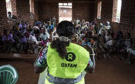 Ebola-DRC-Oxfam-Community-Education-113749lpr.jpg
