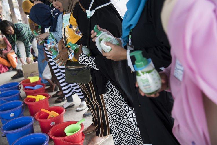 OGB_114189_Handwashing Demonstration - Indonesian Tsunami Response.jpg