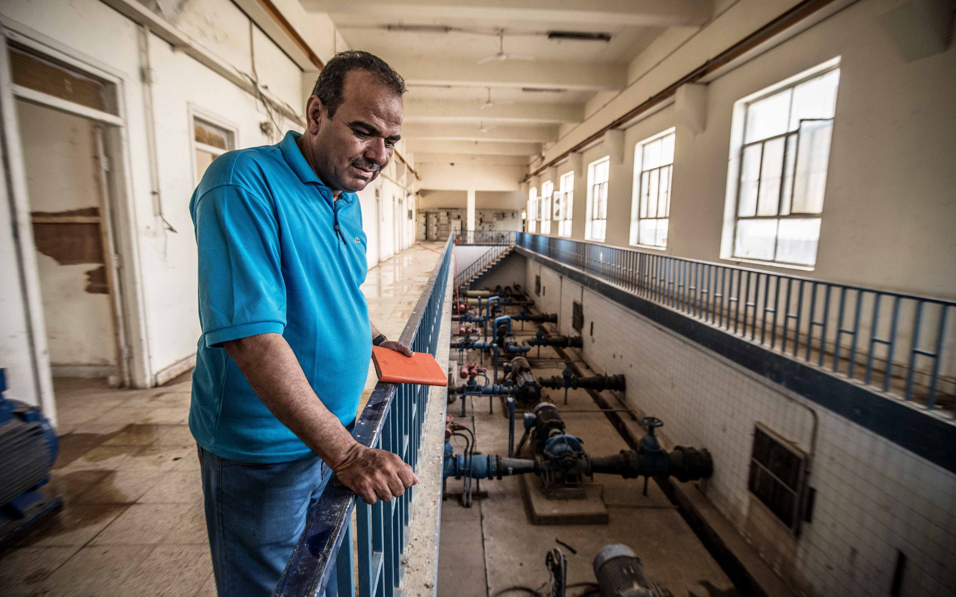The director of the water plant in the Iraqi town of Saadiya was among the first to return after the community was reclaimed from ISIS. With Oxfam's help, the water department was able to repair a good deal of the infrastructure and provide water to returning residents.