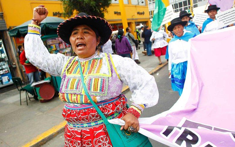 women-march-peru-ous-49048.jpg